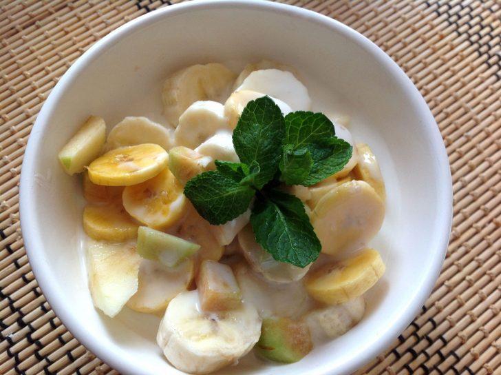 Фруктовый банановый салат