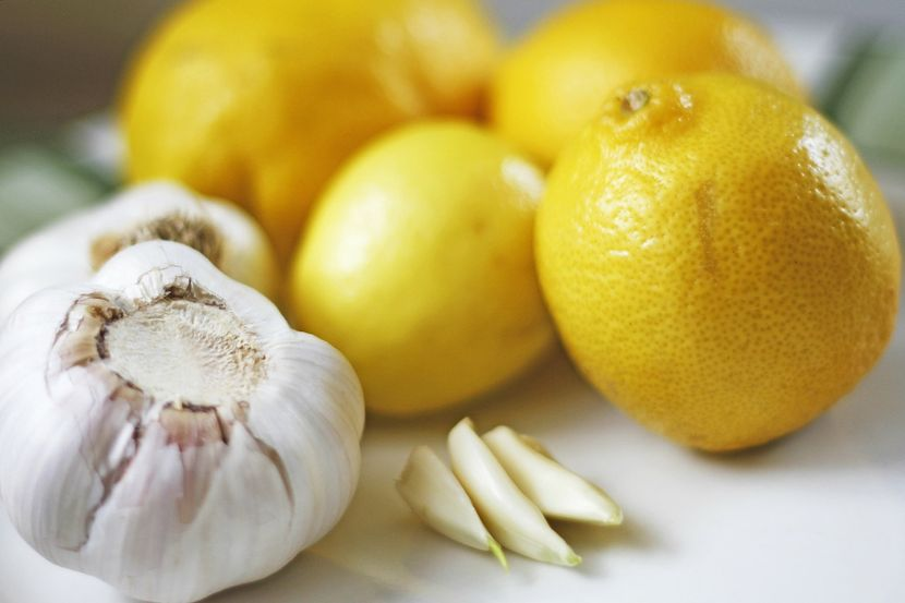 Способ приготовления настойки из чеснока и лимона