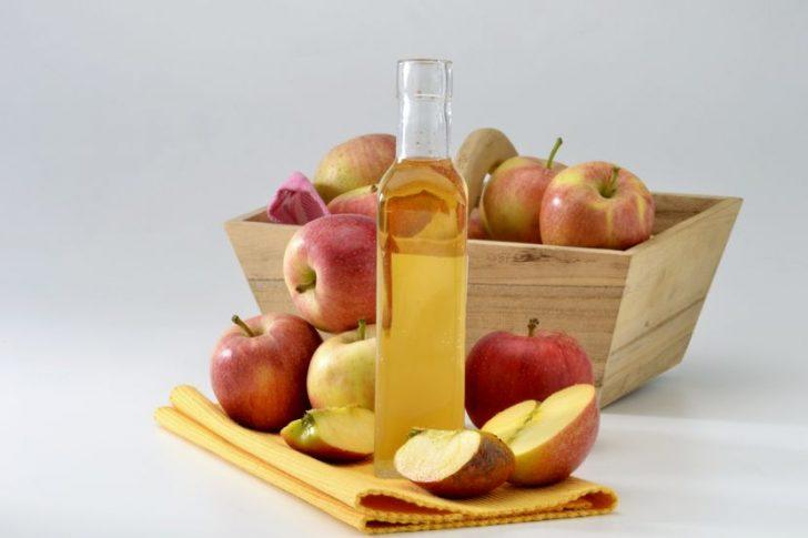 Как проводить очищение организма яблочным уксусом?