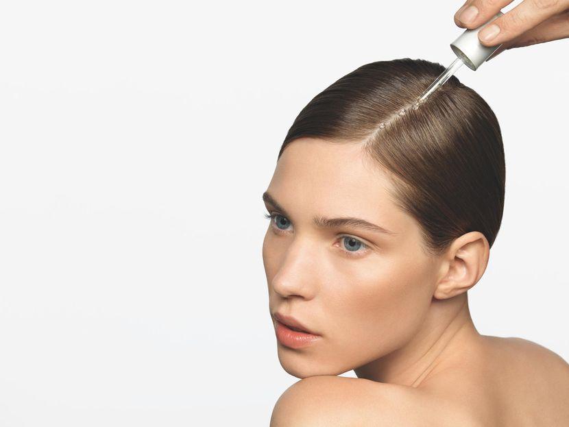 Маска для жирных волос в домашних условиях, рецепт маски для жирных корней — Evehealth