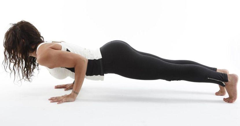 физические упражнения для увеличения груди