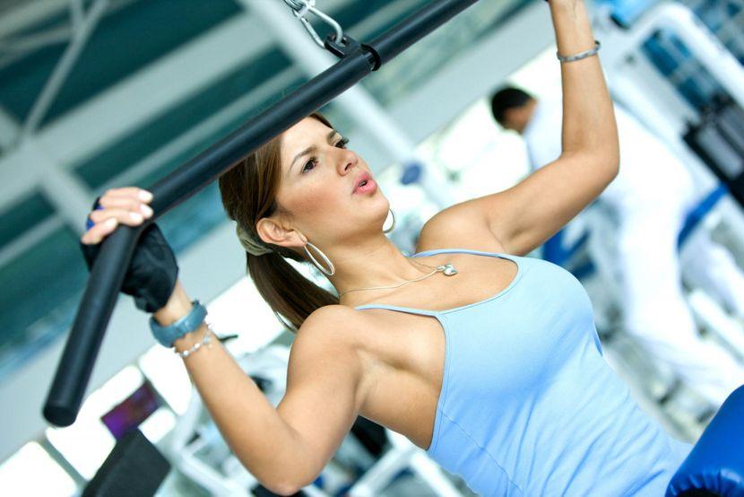 эффективные упражнения для увеличения груди