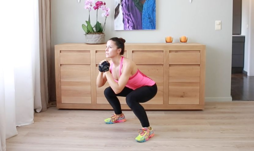 Как правильно приседать чтобы похудеть в ногах и бедрах