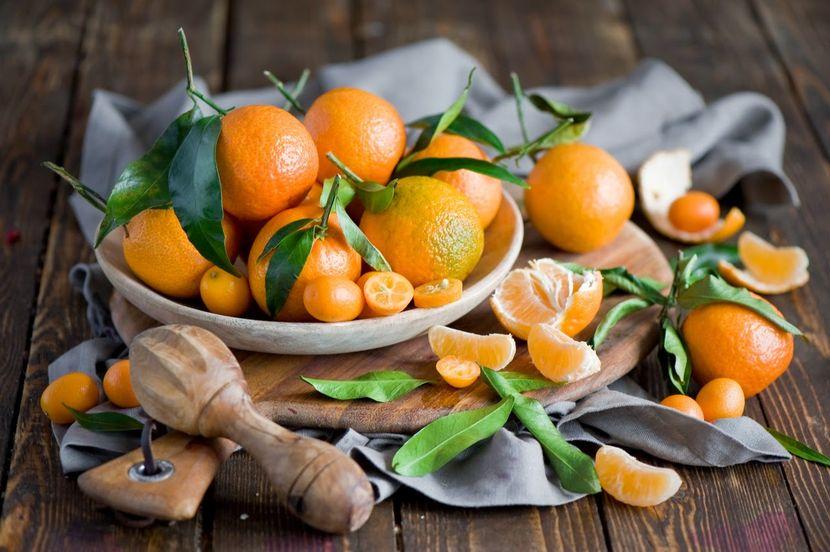 Для сухой и нормальной кожи отлично подойдет маска из кожицы фрукта