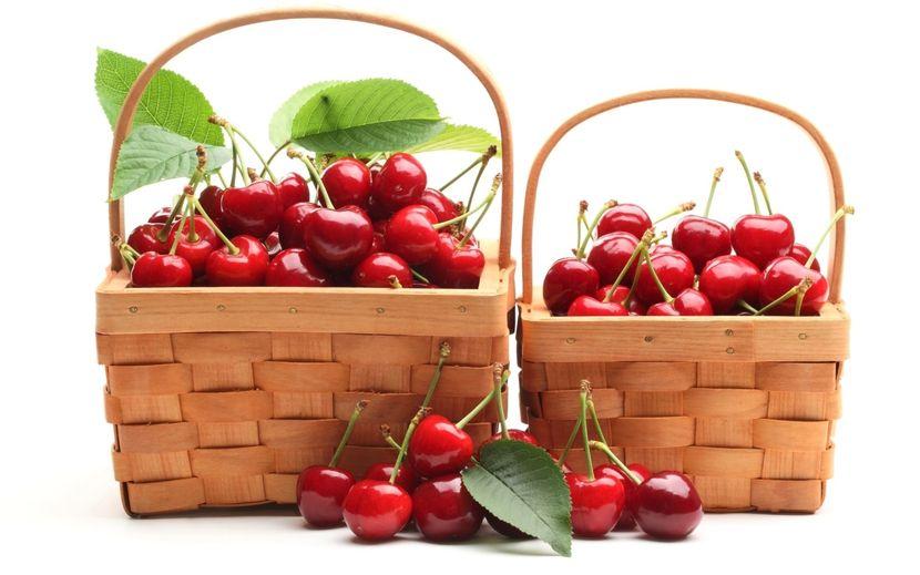 Распространенные маски на основе плодов вишни