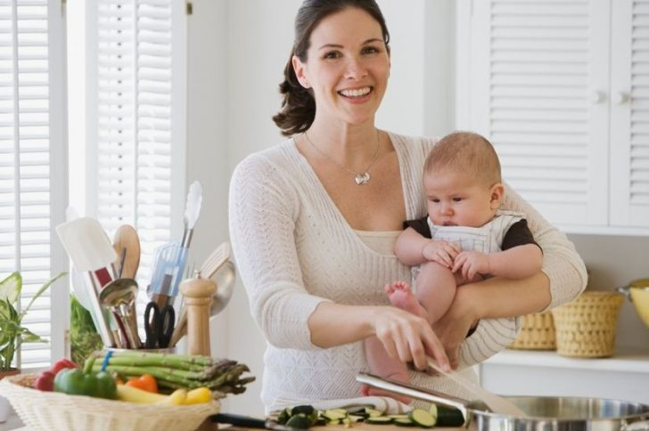 Диета кормящей мамы в первый месяц после рождения ребенка