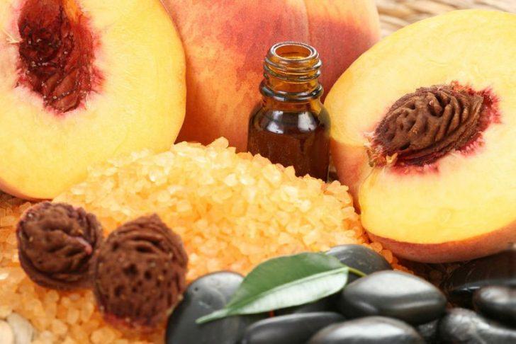 Персиковое масло при уходе за кожей лица