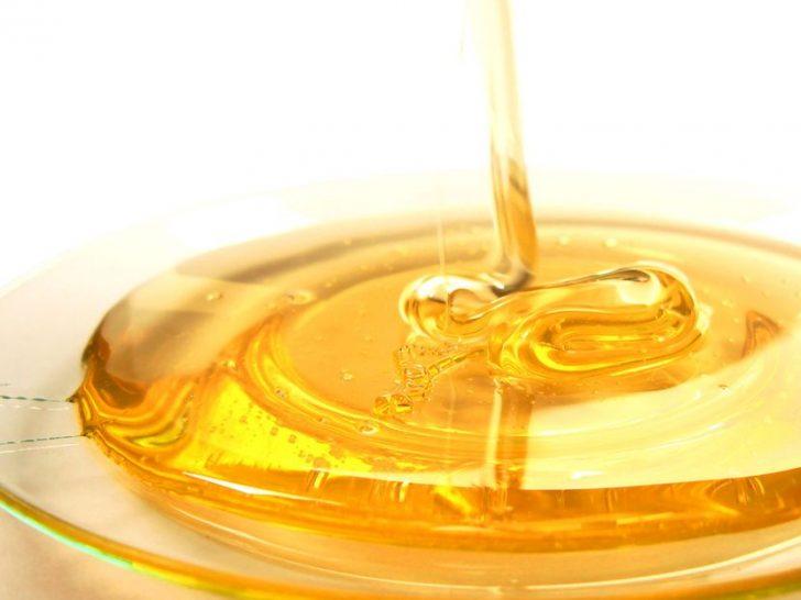 Воздействие меда на кожу лица