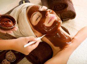 Шоколадная маска для лица: преимущества и недостатки применения
