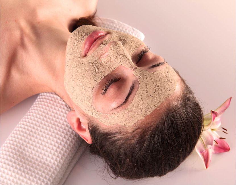 Лучшие подтягивающие маски для лица