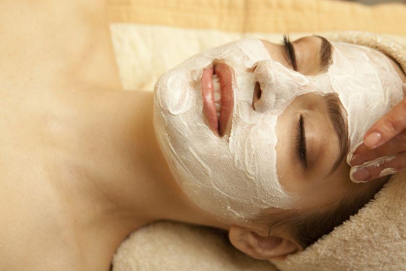 Лучшая маска из глины от прыщей: начинаем приводить свое лицо в порядок