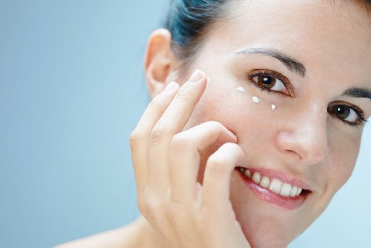 Борьба с проблемами кожи вокруг глаз