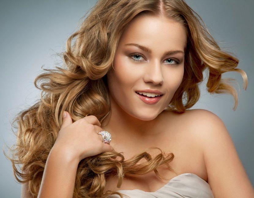 Применение отвара из ромашки для осветления волос