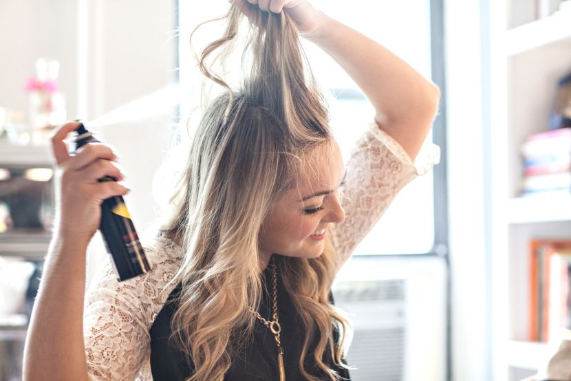 Что нужно знать про сухой шампунь для объема волос?