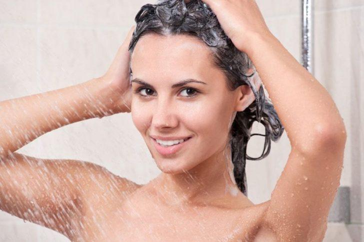 Мытье головы водой: узнаем правильную температуру