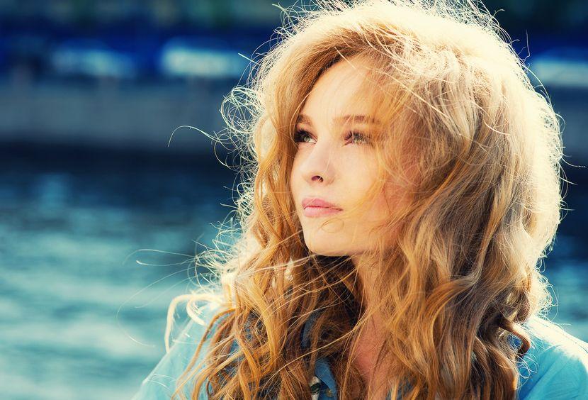 Как ромашка воздействует на волосы?