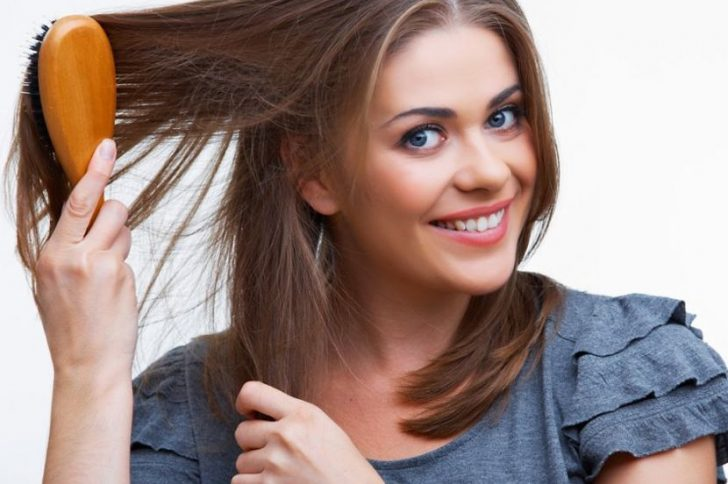 Выпадают сильно волосы у женщины
