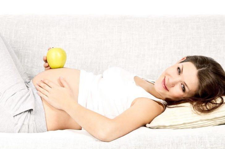 Почему растут волосы на животе во время беременности
