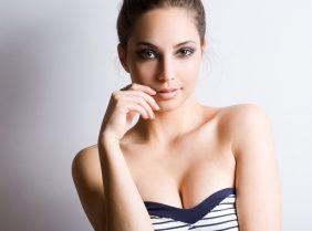 Секрет: как избавиться от растяжек на груди?