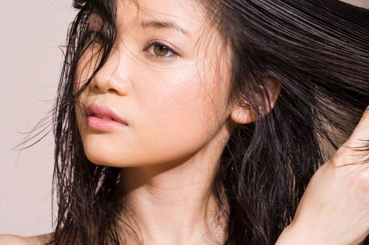 Волосы быстро становятся жирными и тусклыми, что же делать?