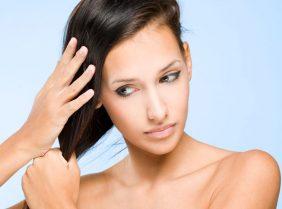 Как избавиться от жирных волос у корней?