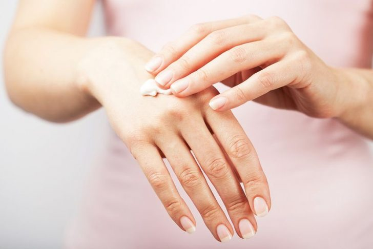 Лечение трещин на пальцах рук