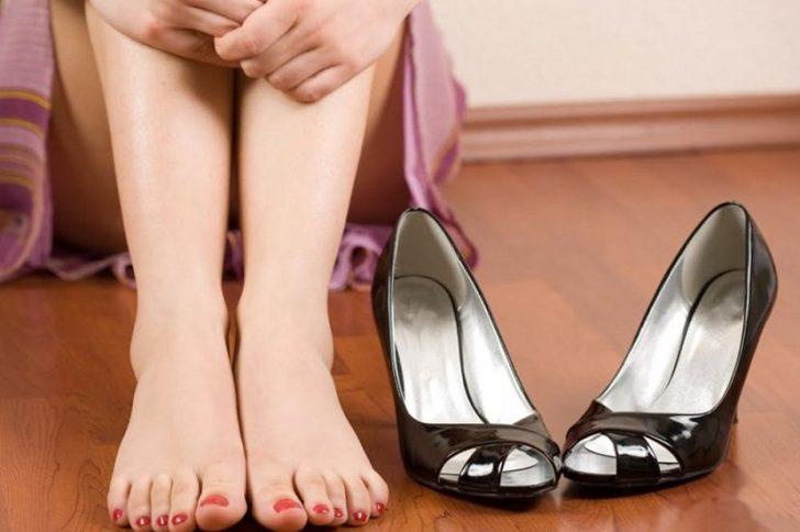Мозоль на пальце ноги: как быстро избавиться?