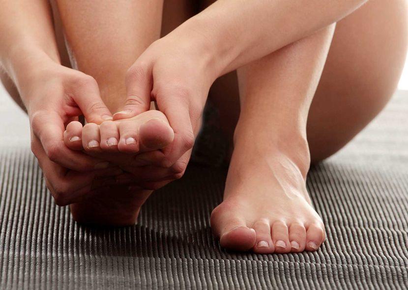 Почему ночью чешутся ступни ног