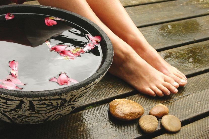 Как правильно ухаживать за кожей ступней