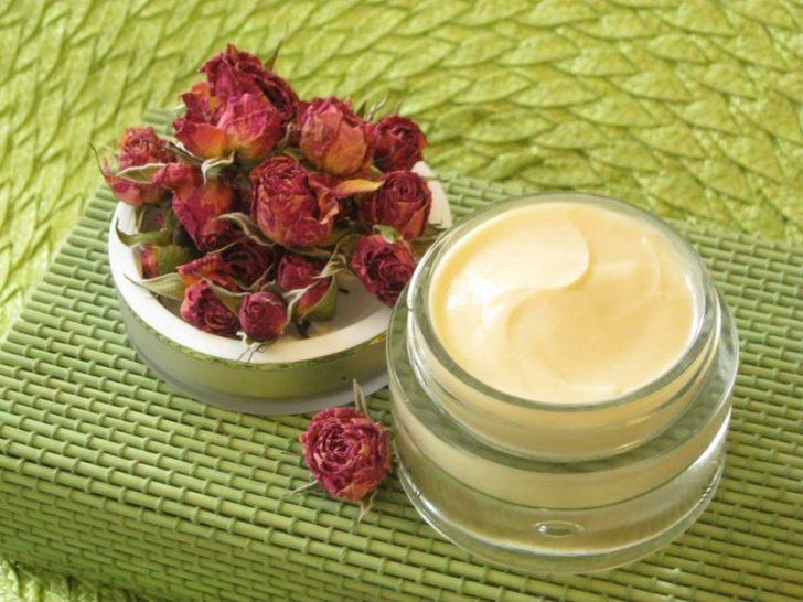 Как правильно ухаживать за сухой кожей ног