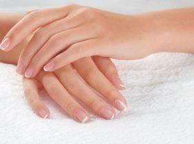 Почему облазит кожа на пальцах рук?