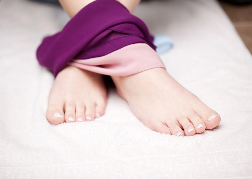 Вросший ноготь на ноге  лечение вросшего ногтя в домашних условиях