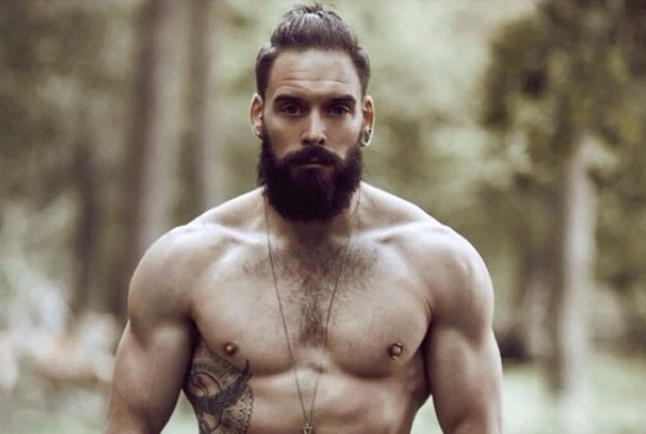 проращивание бороды делает волоски жоще