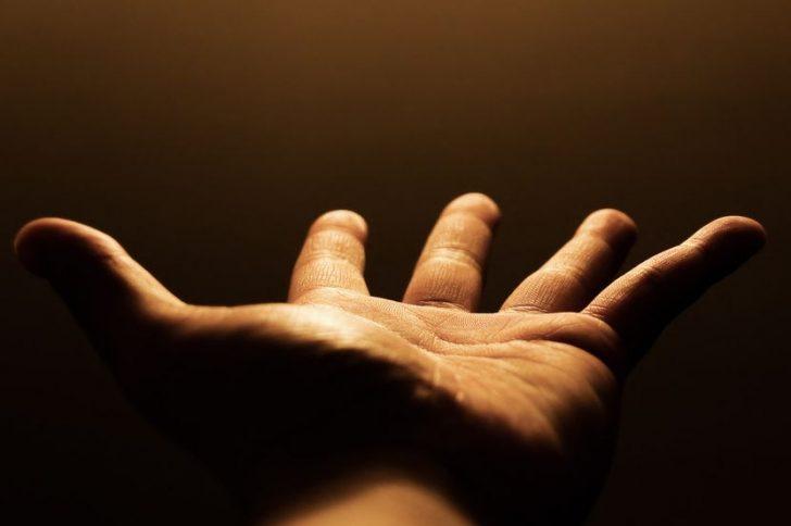 Дрожат пальцы на руках: почему?