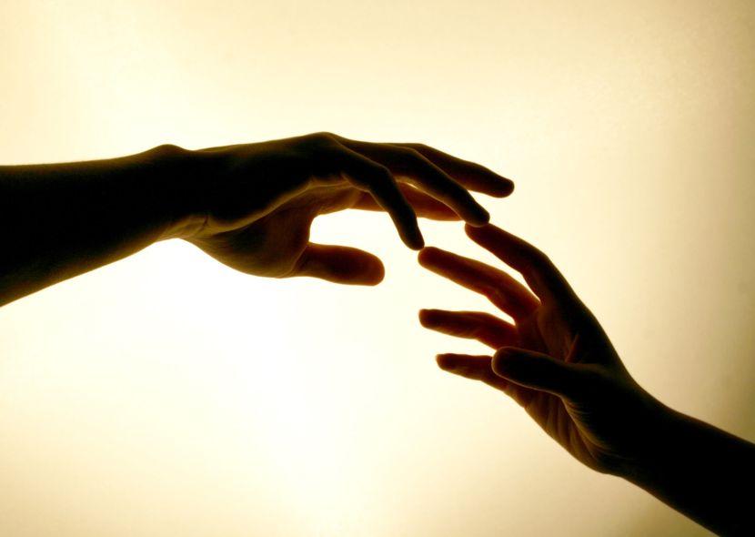 Почему трясутся руки, что делать: причины и лечение