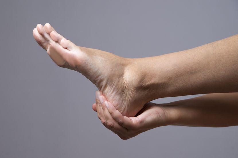 По какой причине могут болеть стопы ног thumbnail