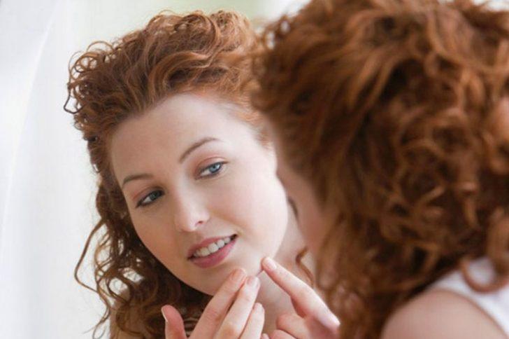 Какого витамина не хватает, если шелушится кожа?