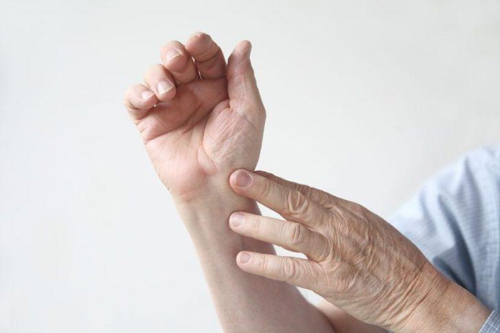 Боли в кистях: причины возникновения и способы устранения