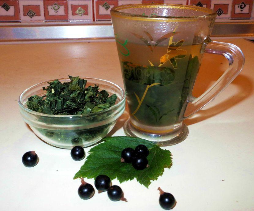 Чай с листами смородины