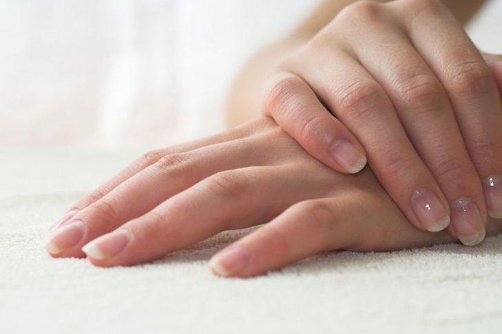 Почему ногти стали плоскими? Основные причины