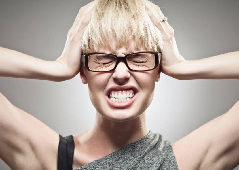 Как очистить уши от серной пробки самостоятельно в домашних условиях?