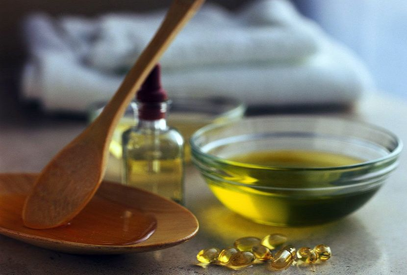 Улучшаем рост бровей касторовым маслом!