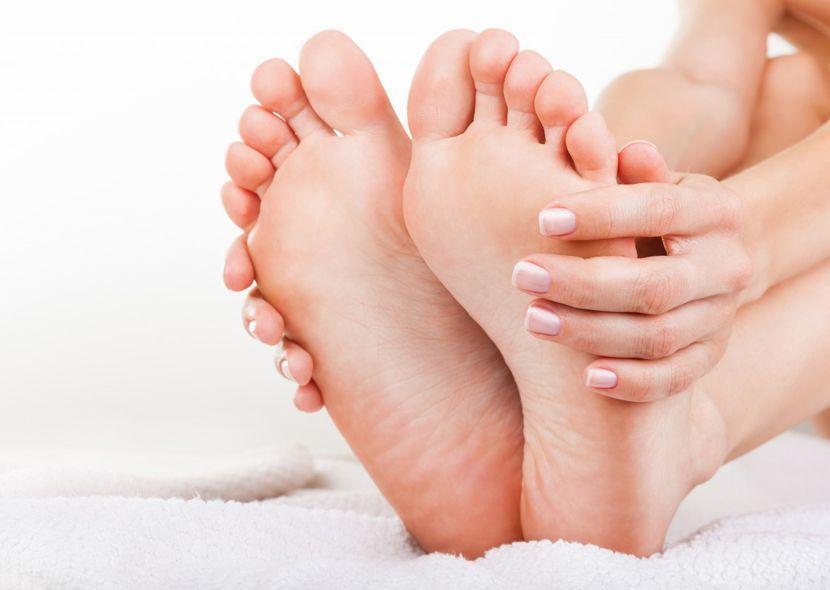 Толстый ноготь на мизинце ноги