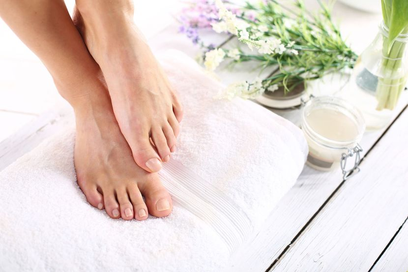Утолщенные ногти на ногах: что делать и как лечить?