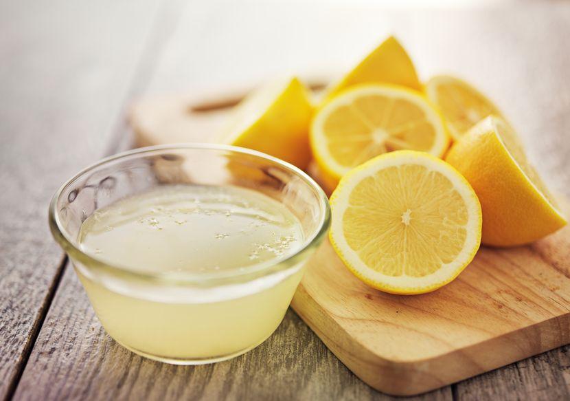 Сок лимона – отличное средство для осветления бровей!