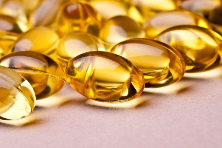 Витамин А для роста бровей