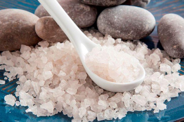 Обертывания с морской солью: правила проведения процедуры в домашних условиях
