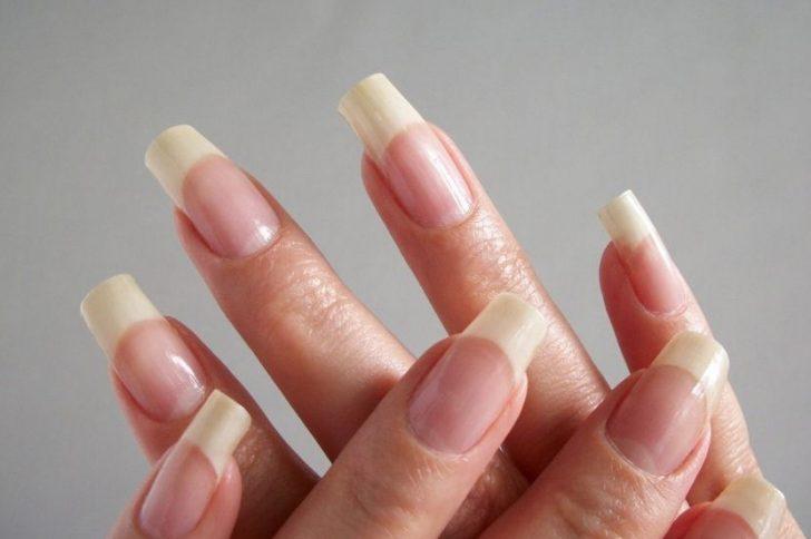 Почему ногти на руках становятся волнистыми? В чем причина?