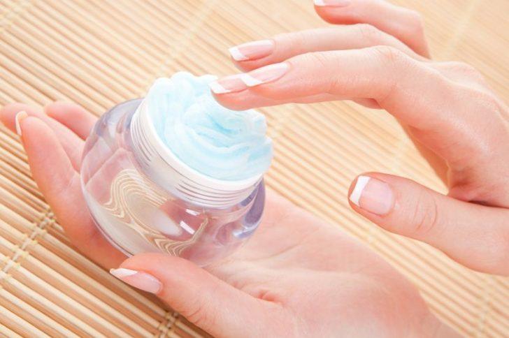 Лечение трещин на пальцах рук около ногтей