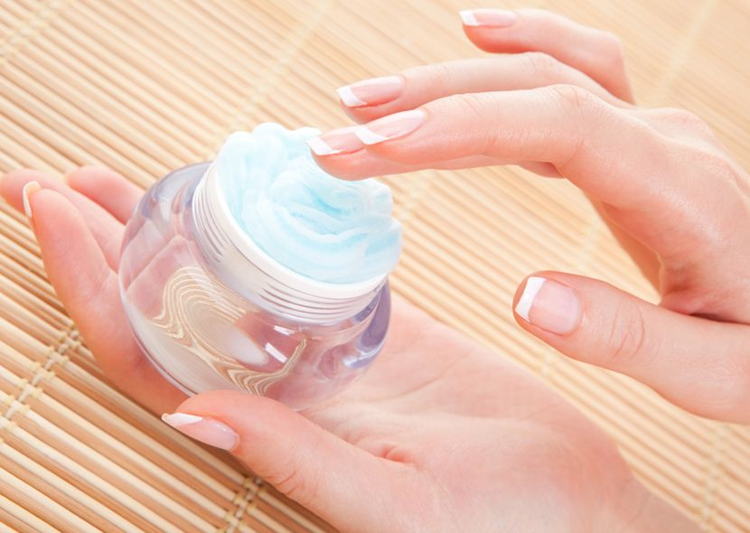 Почему трескается кожа на пальцах рук около ногтей
